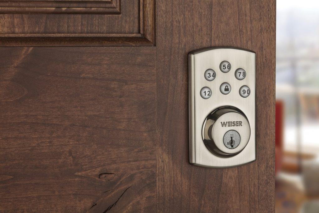 Powerbolt 2 electronic lock featuring smartkey in satin nickel lifestyle