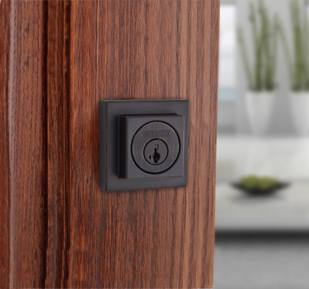 SSD9471 square single cylinder deadbolt featuring smartkey in venetian bronze lifestyle1